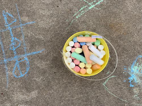Sidewalk Chalk Obstacle Course – a Fun Summer Activity For Toddlers & Preschoolers